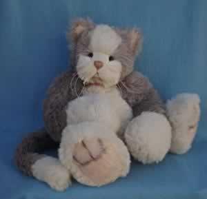 Tumblina by Julie & Betty Guiver, Ju-Beary Bears
