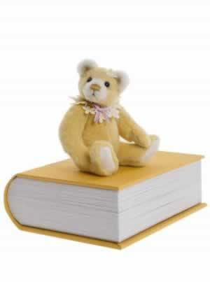 Pawsome by Charlie Bears