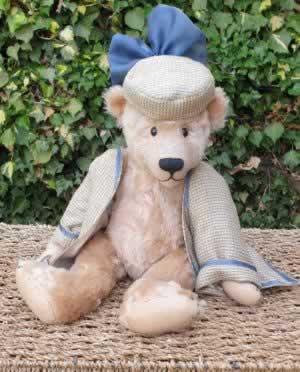 Dolly by Turid Christensen, Bearbury of London