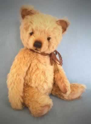 Gwen by Melanie Jayne, Bear Treasures - reserved